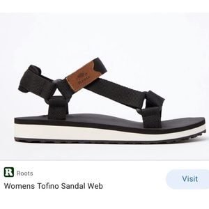 New Roots womens black Tofino flat shoes sandals 7